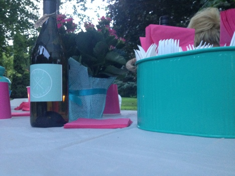 Pink and turquoise table accents