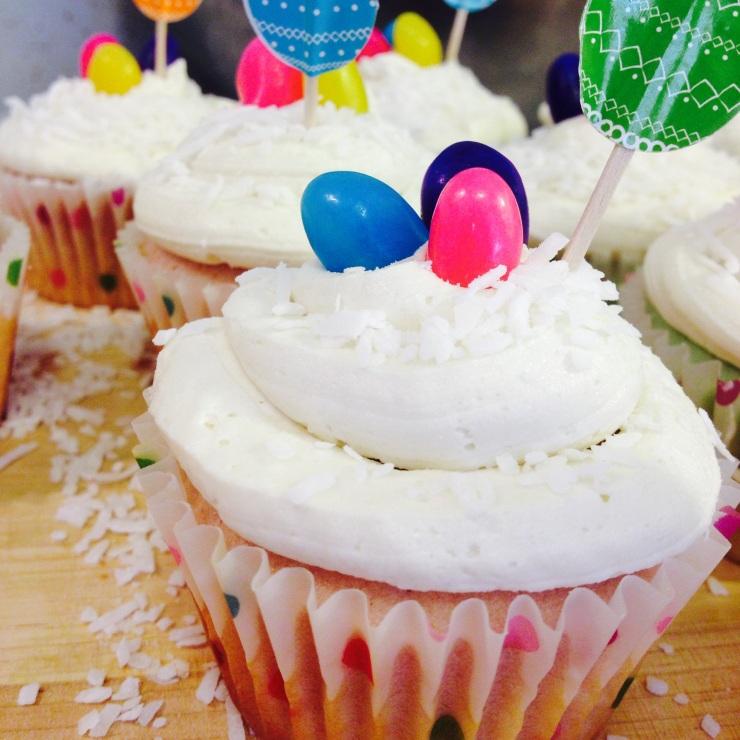 Vanilla-coconut Easter cupcakes