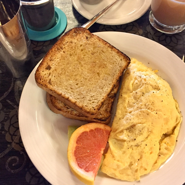 Spinach omelette and toast